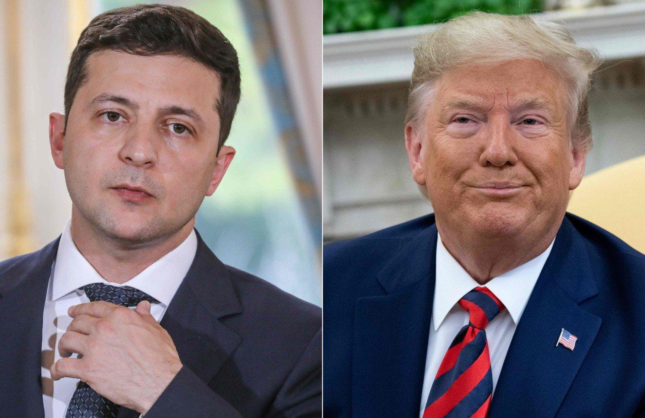 美國總統川普(右)今年7月和烏克蘭總統澤倫斯基(左)通話時,要求烏克蘭調查前美國...