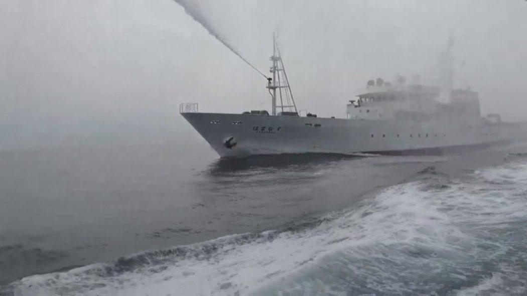 東半球28號兩度進入台日重疊的經濟海域,遭到日本水產廳船隻追趕,並以水砲驅離。 ...