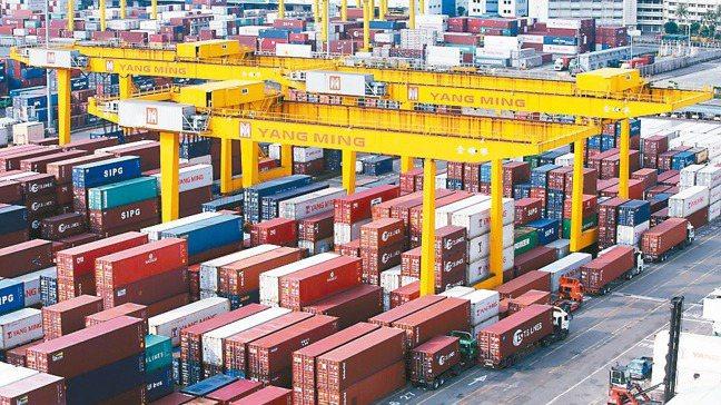 兩岸關係緊張,傳國內包括食品、石化、機械業等產業出口大陸商品被當地海關刁難。 本...