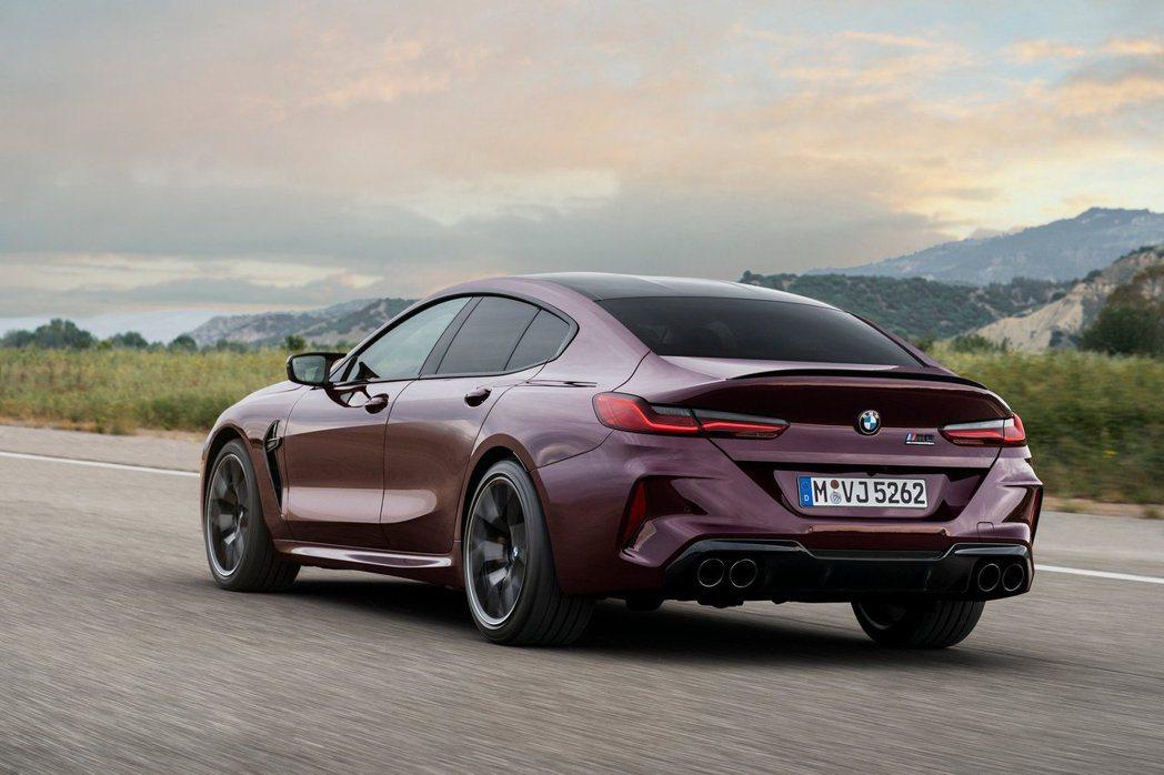 全新BMW M8 Gran Coupe (F93) 零百加速僅需3.3秒就能完成...