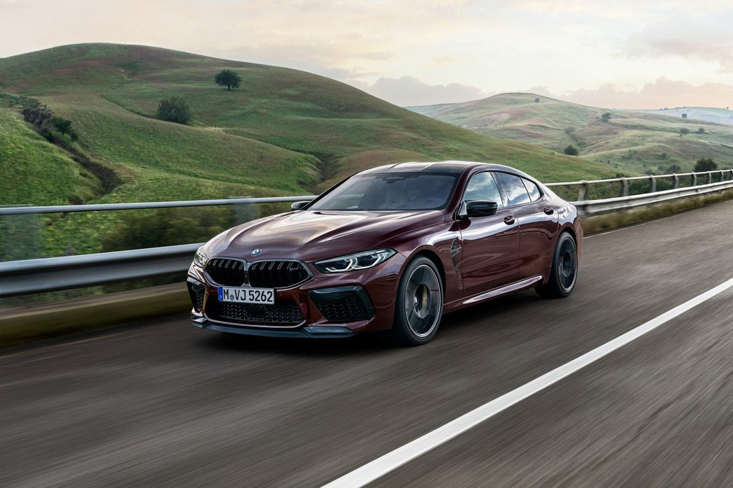 全新BMW M8 Gran Coupe Competition從零加速至100k...