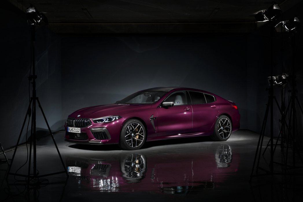 全新BMW M8 Gran Coupe (F93) 將在11月底舉行的洛杉磯車展...