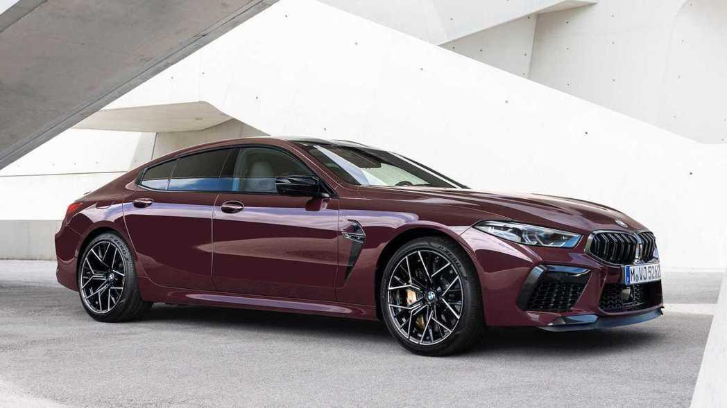 全新BMW M8 Gran Coupe (F93)。 摘自BMW