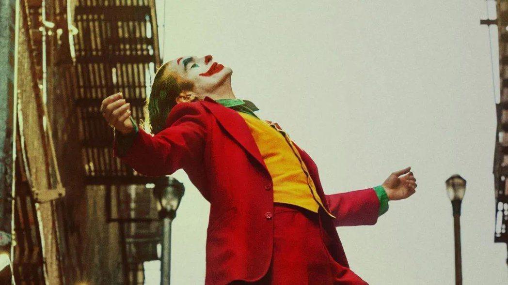 《小丑》上映以來創下極佳票房,全球首周票房已突破2.34億美元。
