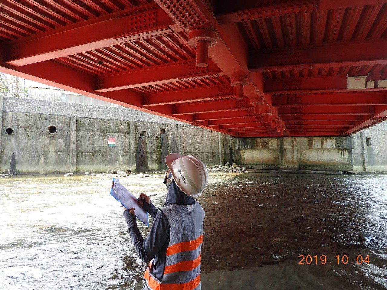 新北市工務局養工處於一周內完成新北16座特殊結構橋梁檢測。圖/新北市工務局提供