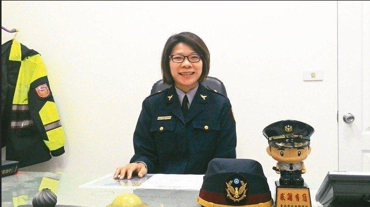 台南市警三分局安南派出所女所長曾婉甄。圖/台南市警三分局提供