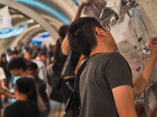 「西灣連儂隧道」活動獲得許多學生、民眾支持。圖/台灣基進提供