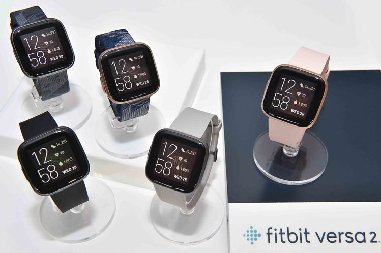 Fitbit Versa 2,建議售價7,290 元;編織紋表帶特別版,建議售價...