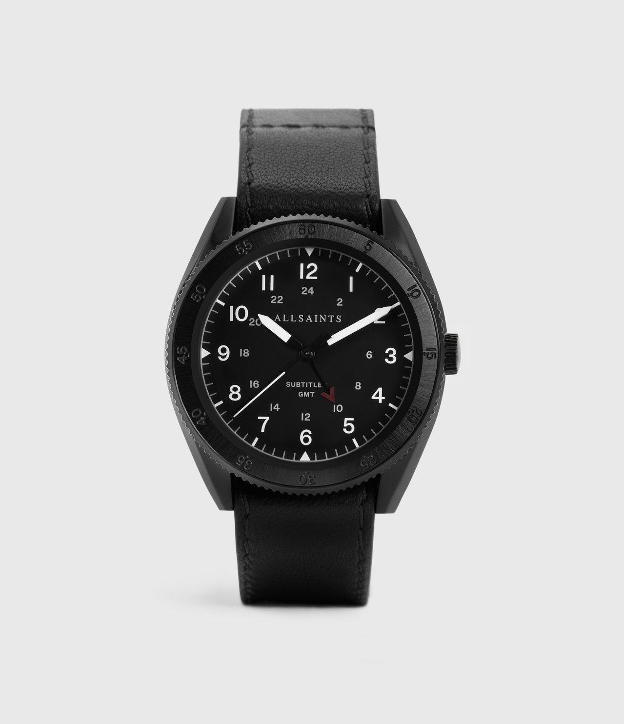 ALLSAINTS subtitled系列兩地時間腕錶,黑色表盤搭配皮革表帶,9...