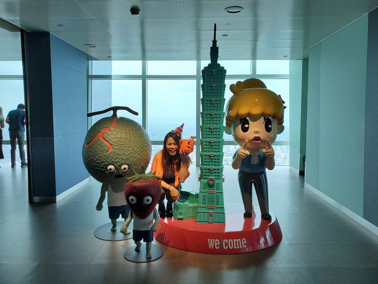 台北101觀景台萬聖節主題活動,即日起至10月底與日本扭蛋玩具品牌「熊貓之穴」攜...
