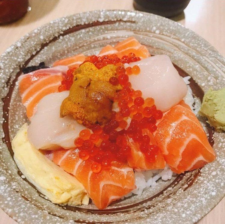 美食部落客分享「千幸壽司」的用料,相當澎湃。IG @jj_food_mirand...
