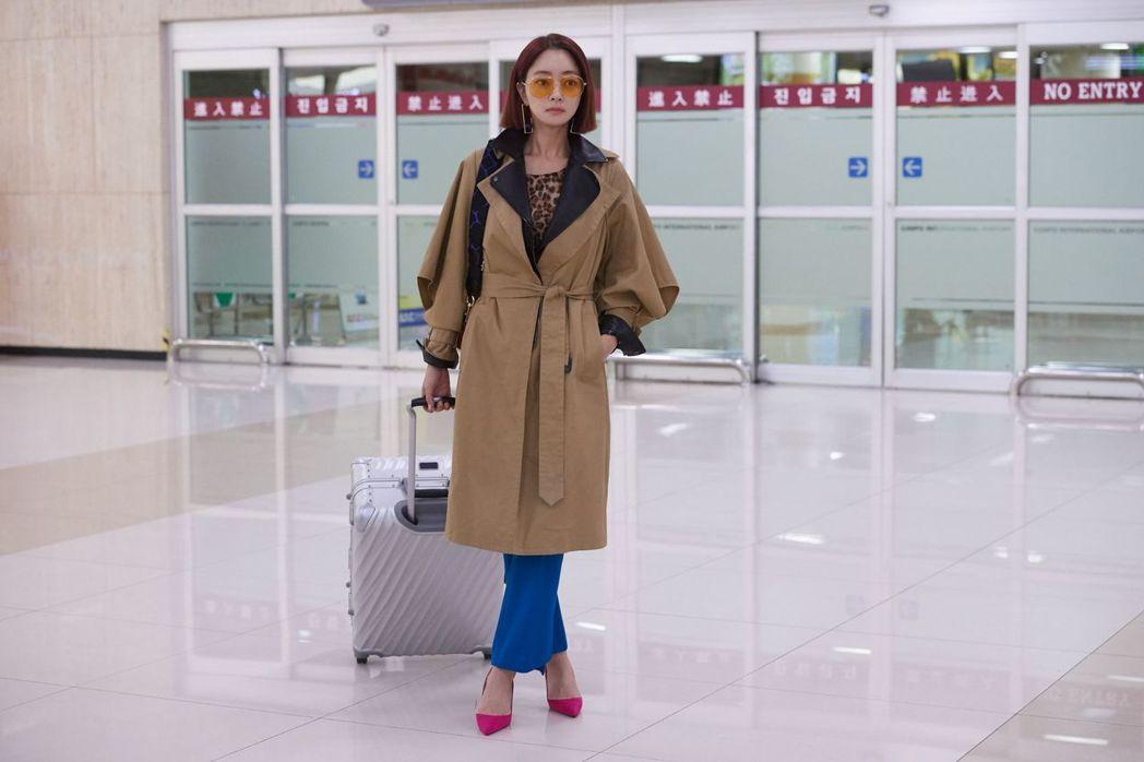 徐孝琳在「讓開吧,命運」飾演富家女。圖/中天娛樂台提供