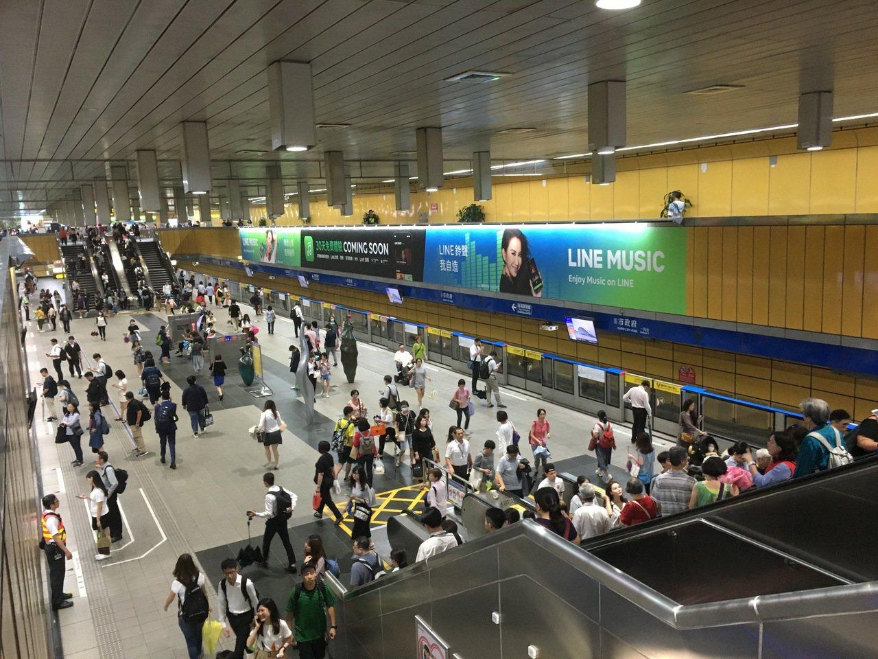 台北捷運正檢討票價問題,話題一傳出引來民眾與議員關心。報系資料照