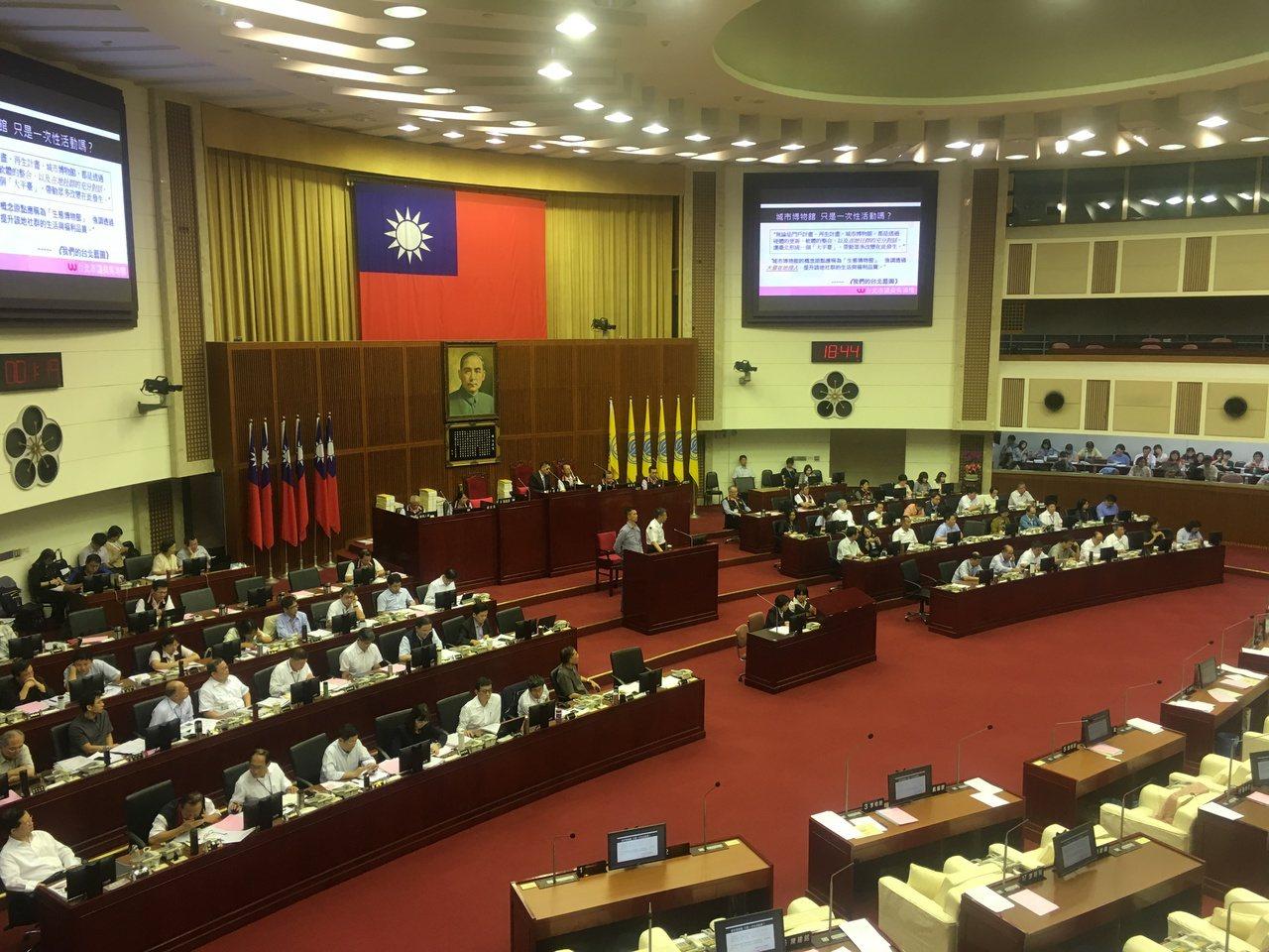 台北市長柯文哲今天下午到議會進行報告、備詢。記者張世杰/攝影