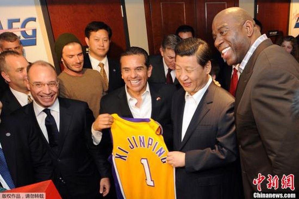 時任中國大陸國家副主席的習近平在2012年年初訪美,最後一個行程即為觀看NBA球...