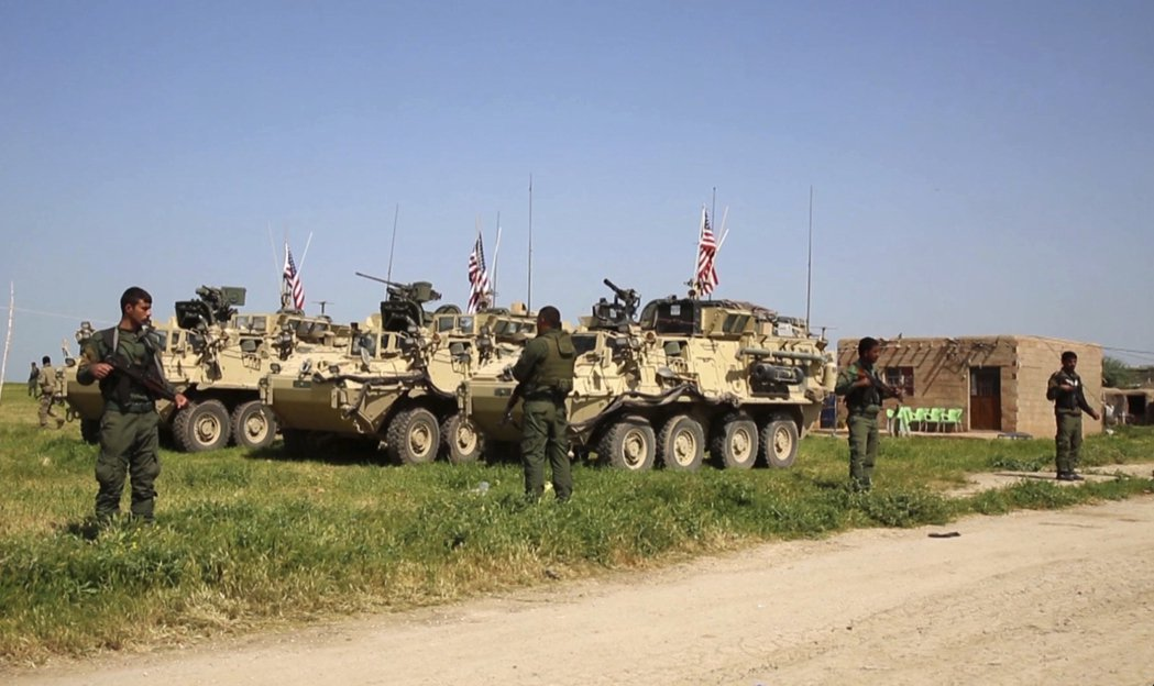 敘利亞庫德族一直是美國打擊IS的重要盟友,圖為庫德族民兵組織之一的人民保衛軍(Y...