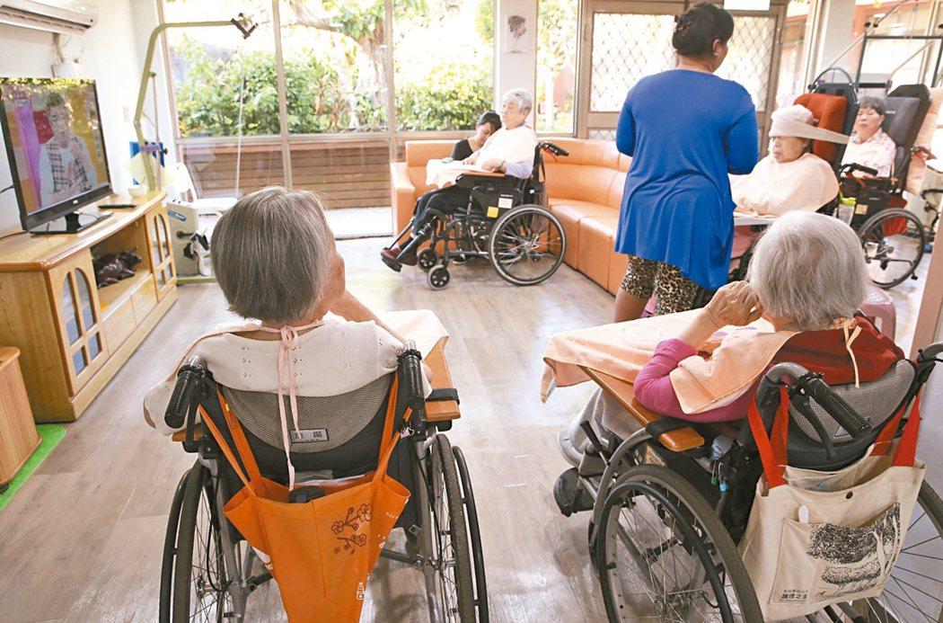台灣人口老化快速,長照人口越來越多。 圖╱聯合報系資料照片