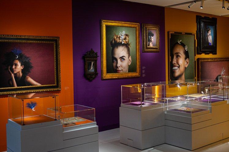 Julia Hetta的照片呈現了25件由15世紀至19世紀品牌的骨董以及當代作...