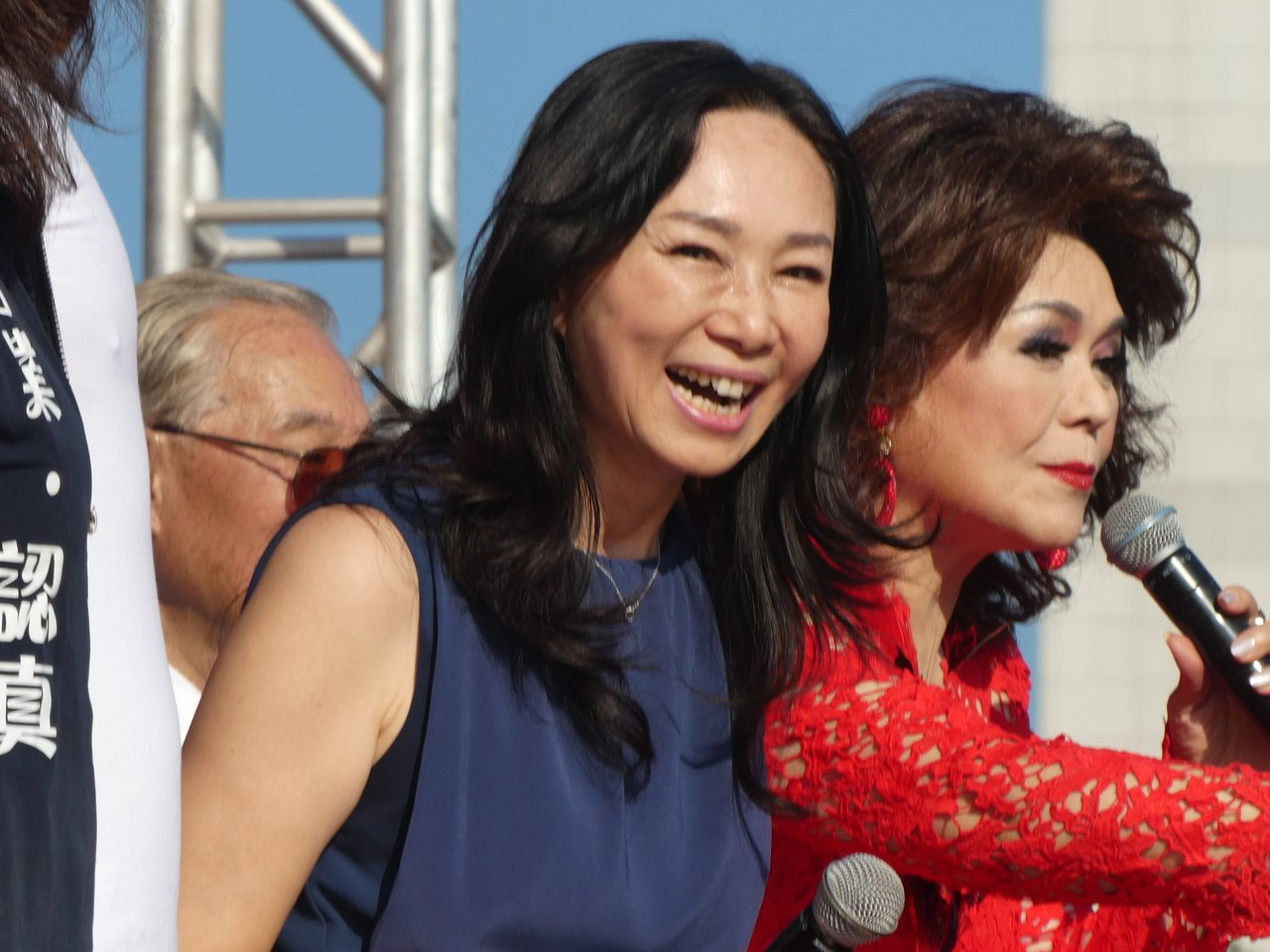 國民黨與松濤社下午在國父紀念館共同舉辦「愛國旗愛國家國慶大會」,前總統馬英九、國...