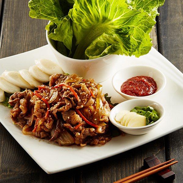 涓豆腐於贈出「天菜1+1免費送」活動贈出「醬燒青蔥豬五花」,價值328元。