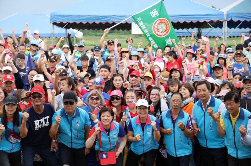 花蓮縣吉安鄉公所今天舉辦國旗升旗典禮,吸引4000多人參與,創下吉安鄉活動紀錄。圖/吉安鄉公所提供