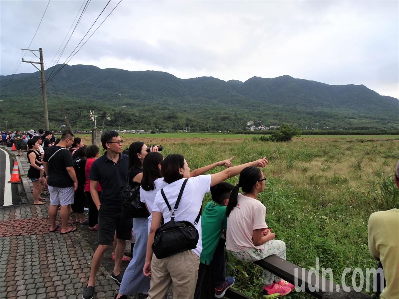 「國慶鳥」國慶日失約 遊客幽默說:去看國慶焰火了
