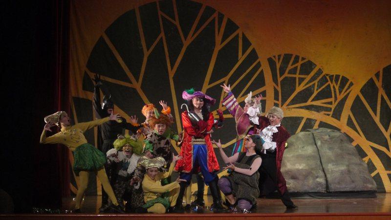 紙風車兒童劇團將在10月12日、本周六國慶連假晚上7點,來嘉義縣朴子配天宮旁停車場登場。圖/紙風車兒童劇團提供