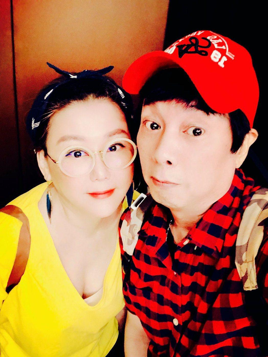 曹西平(右)、藍心湄私下也常相約吃飯。圖/摘自臉書