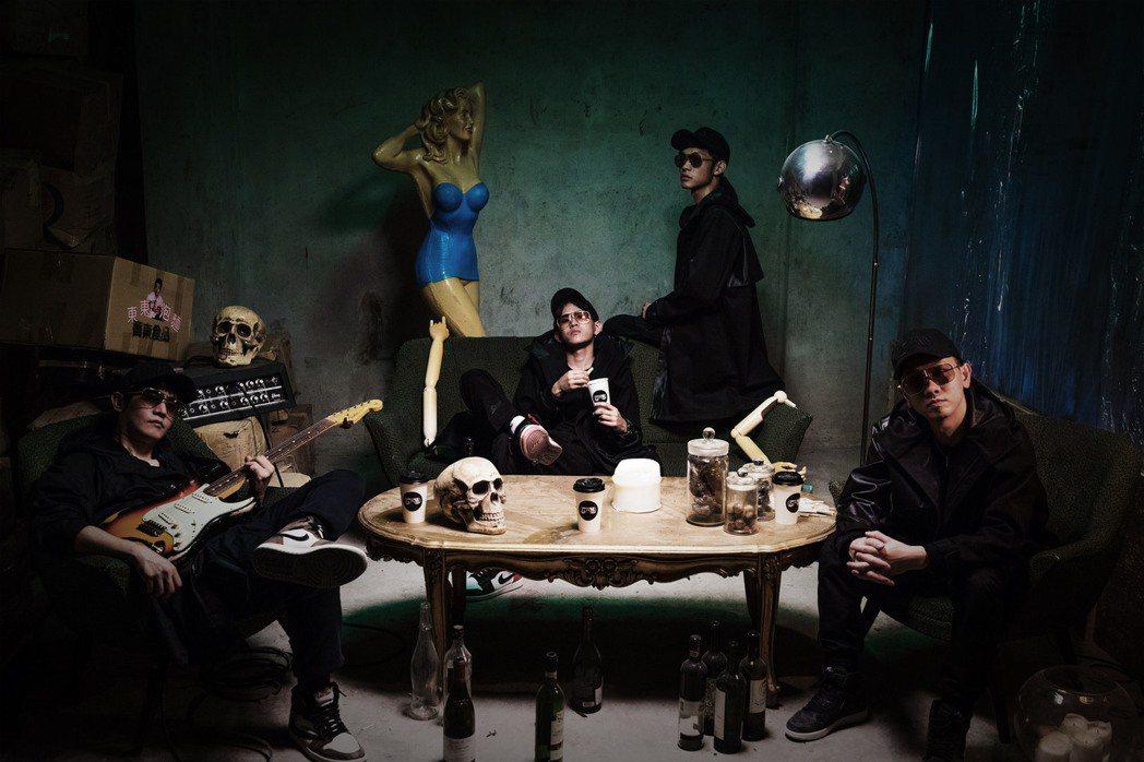 天王天后御用音樂人滾爺(左起)、古哥、CJ和Kyle組成新團眼鏡俠。圖/Mo C...