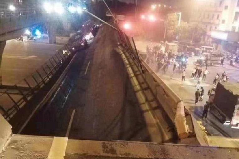 畫面曝光!江蘇無錫高架橋倒塌 三輛車直接被砸中