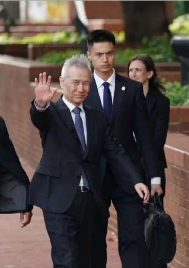 劉鶴抵美表示,中方此次抱著極大的誠意而來,願意與美方認真交流,推動磋商取得積極進...