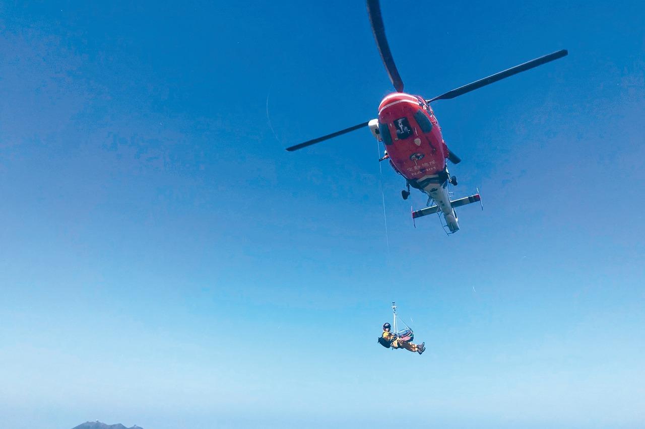 CPR、AED都無效...爬七星山休克 吊掛送醫不治