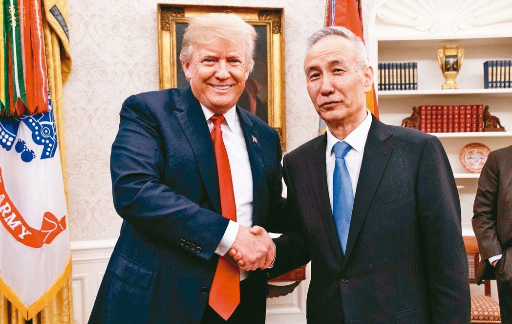 美中10日起展開新一輪貿易談判,雙方都營造樂觀的談判氛圍,包括美國總統川普表示他...