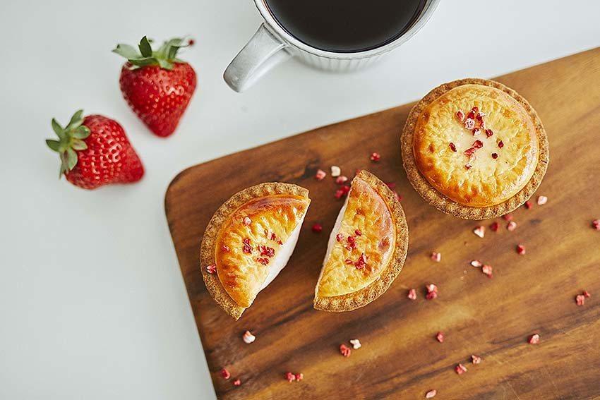 Bake cheese tart草莓甜心起司塔。 新光三越桃園站前店/提供