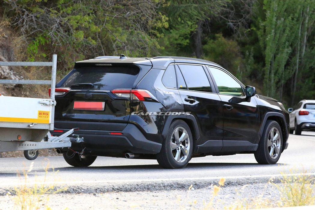 全新Toyota RAV4 Plug-in Hybrid測試照。 摘自Carsc...