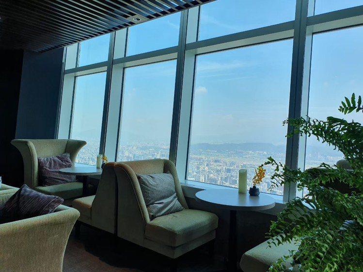 台北101觀景台高空景觀餐廳Bar88。圖/台北101提供