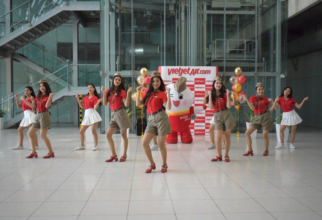 泰越捷航空宣布開通烏隆他尼至曼谷(蘇凡納布機場)及清萊的直飛航班。歡慶新航線開通...