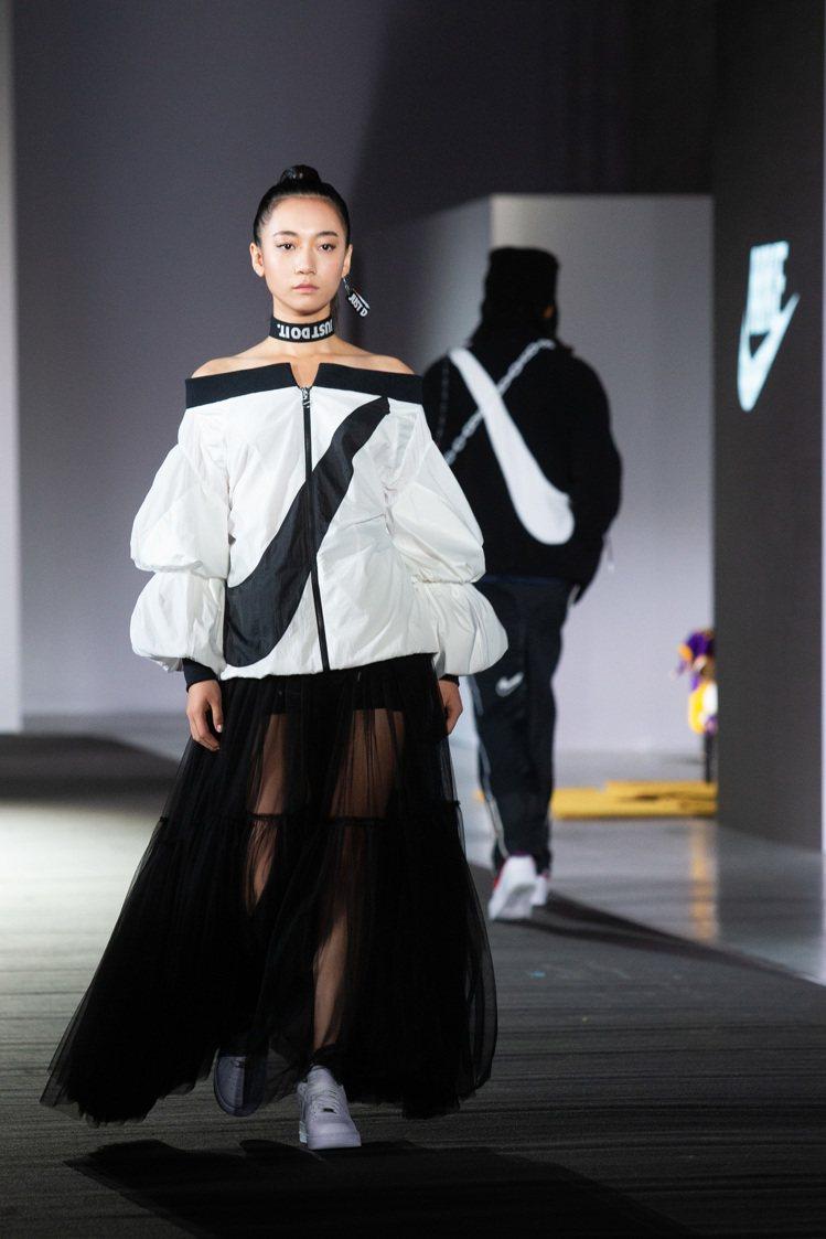 吳卓源演繹的羊腿袖設計,延伸自周裕穎對太太童怡瑋的喜好關注。記者季相儒/攝影