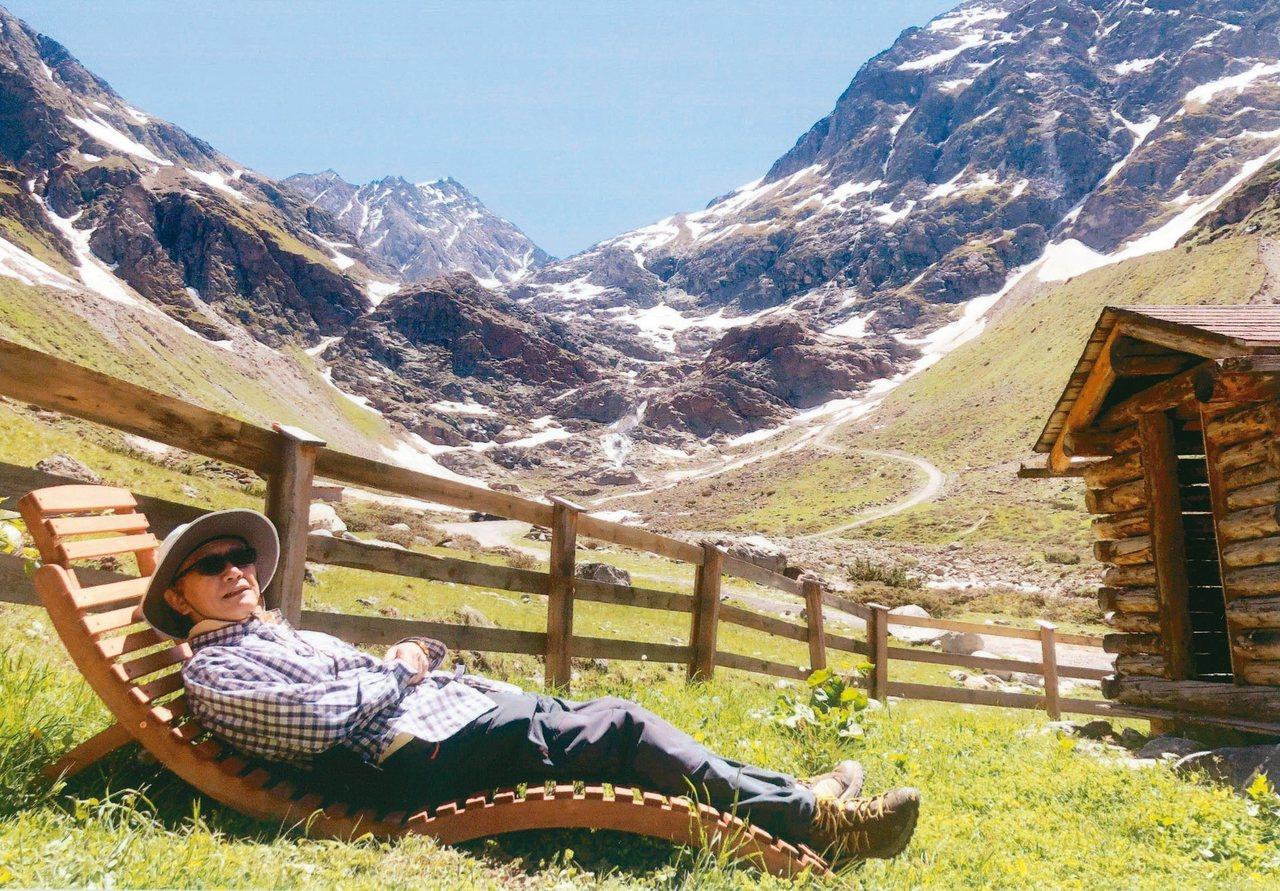 阿爾卑斯山區積澱了千年以上的文明,設施安全完善,很適合熟齡族健行。 圖╱蕭長瑞提...