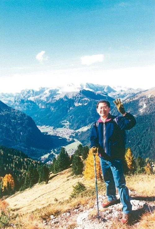 從義大利或奧地利入境去阿爾卑斯山健行,吃住品質不打折,但旅費可節省一半以上。 圖...