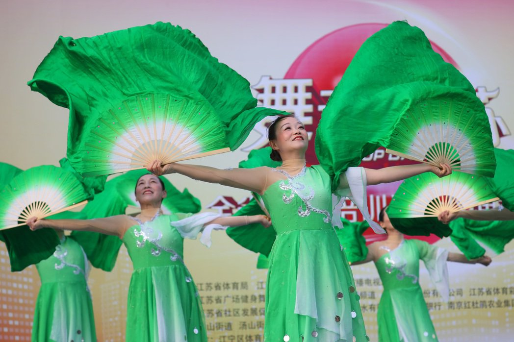 提到「中國大媽」,多數人腦海中浮現的畫面大概就是廣場舞。(中新社)