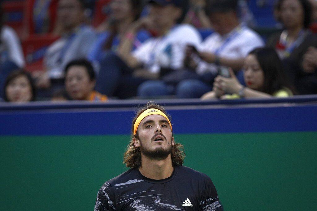 21歲的希臘新星西西帕斯(圖)今天在上海名人賽男單4強不敵俄羅斯「壞小子」梅德維...