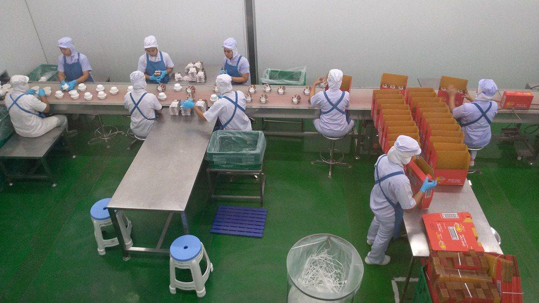 泰南僑生產線。 記者翁至威/攝影
