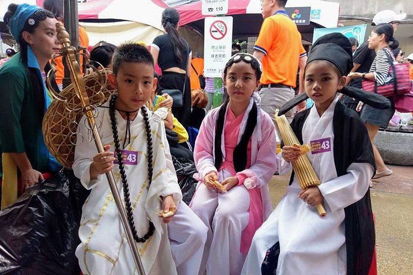 白蛇傳人物也現身臺北街頭。 台北後站批發商圈發展促進會/提供