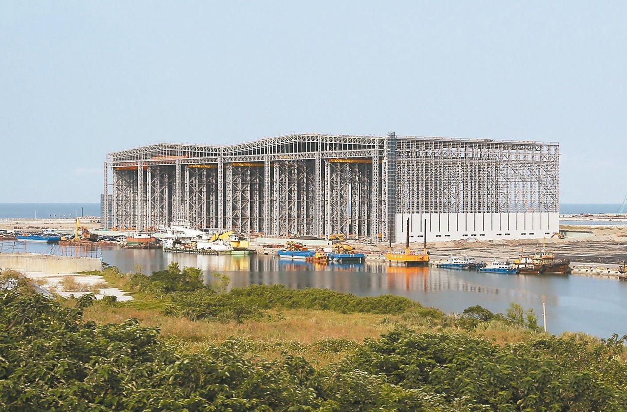 世紀鋼離岸風電水下基礎生產基地。 記者林澔一/攝影