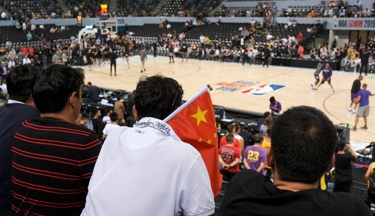 NBA中國賽第2戰在深圳開打,布魯克林籃網續戰洛杉磯湖人。 路透社