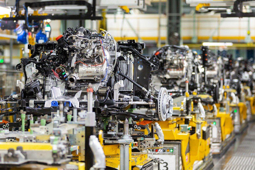 第二代Nissan Juke搭載1.0升三缸渦輪增壓引擎,最大馬力可輸出115h...