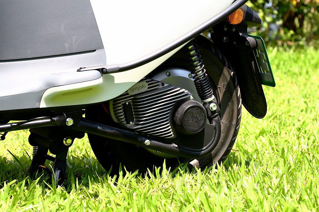 Gogoro VIVA改用整合式鋁合金輪轂馬達,最大輸出功率為3kW(約4.02...