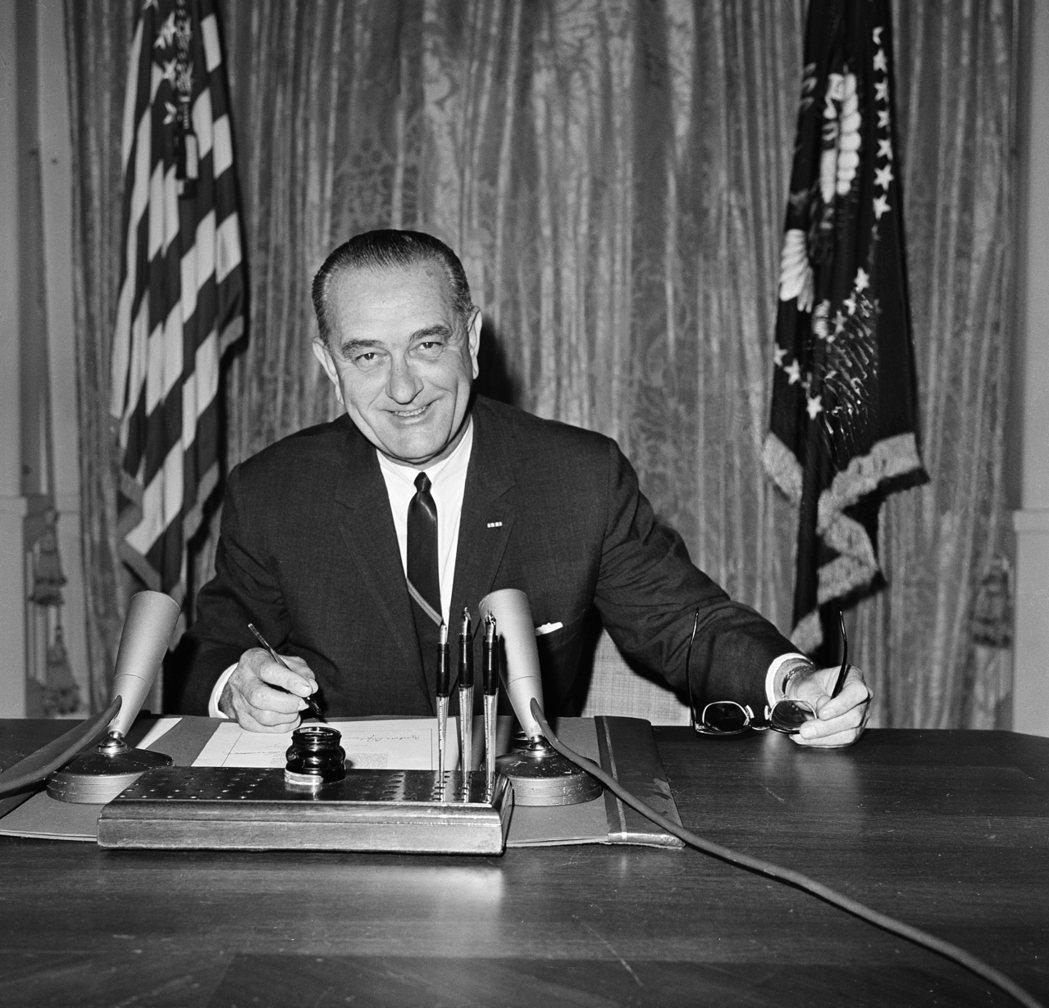 美國第36任總統詹森患嚴重心臟病,在擔任參議院多數黨領袖時還因此住院超過一個月。...