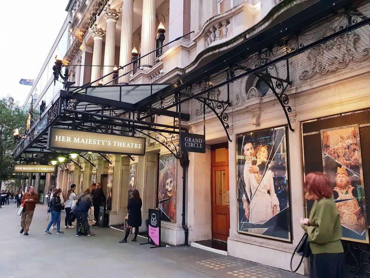 「歌劇魅影」在倫敦女王陛下劇院一演33年,迄今仍場場滿座。記者陳宛茜/攝影